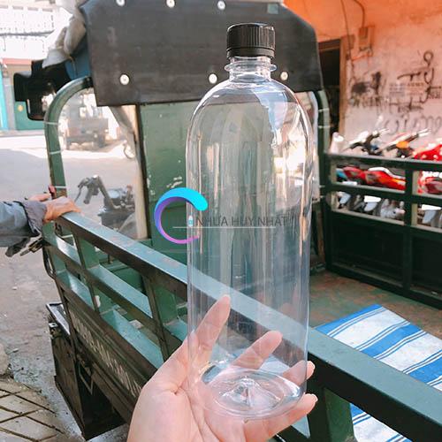 chai nhựa 500ml tròn cao nắp đen